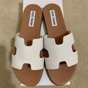 NWT Steve Madden Daphne sandals